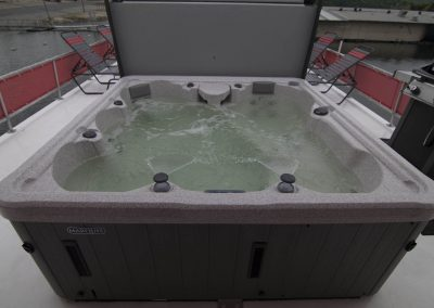 Royal P Hot tub