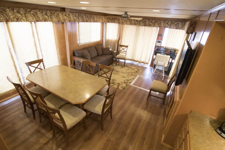 Royal Palms Five Star Houseboat Rentals